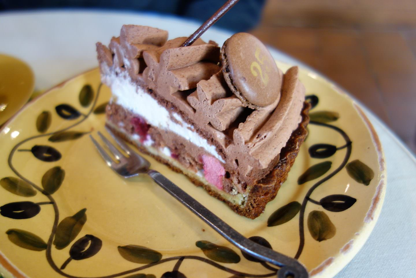 Have a relaxing time with a slice of tart and a big bowl of coffee or tea.