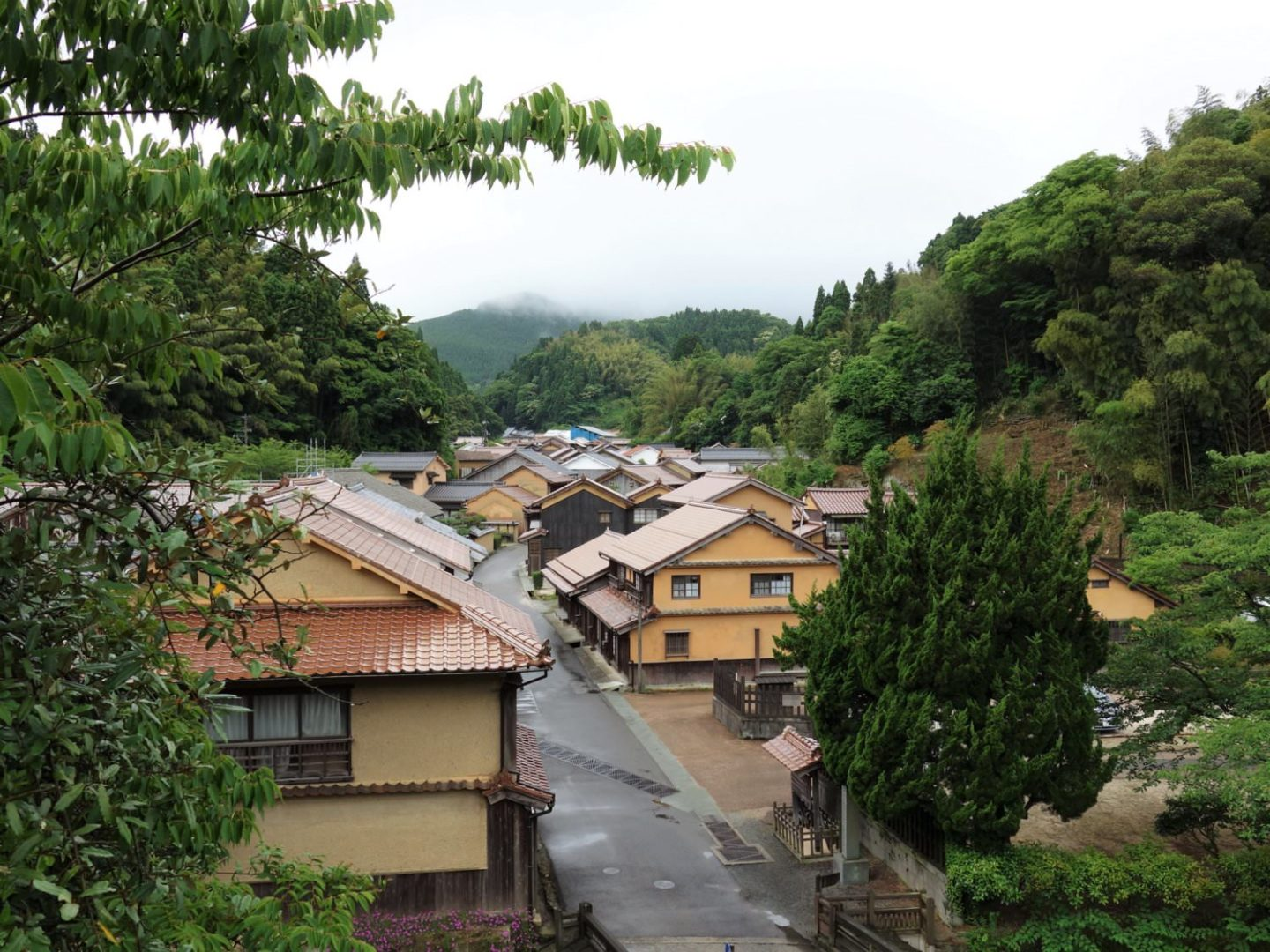 View of Omori district from Kanzeonji Temple