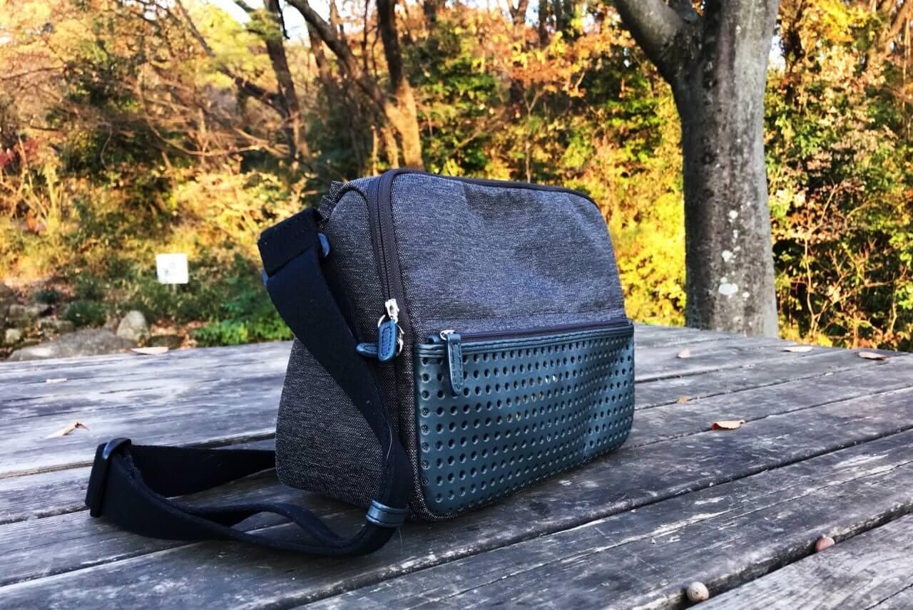 お散歩に最適なバッグは「ひらくPCバッグnano」で決まりなのです