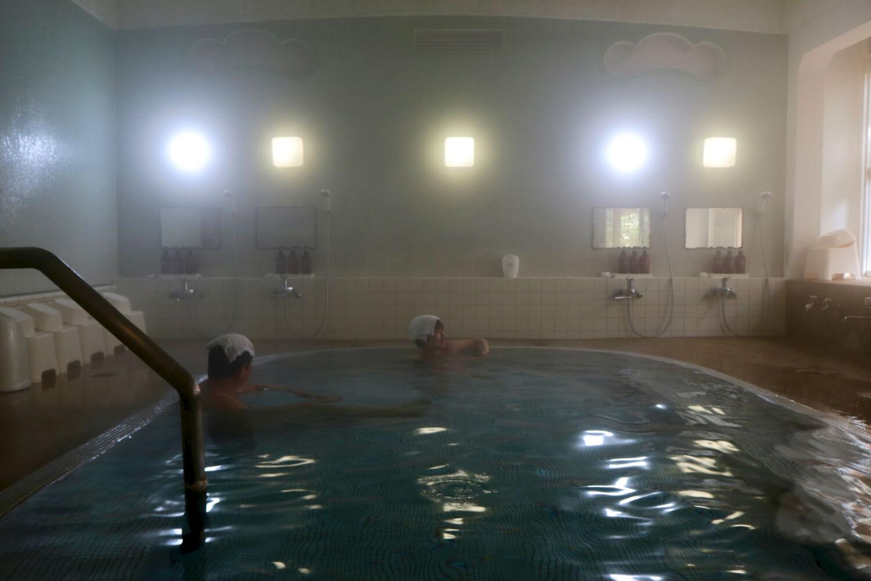 レトロモダンタイル風呂