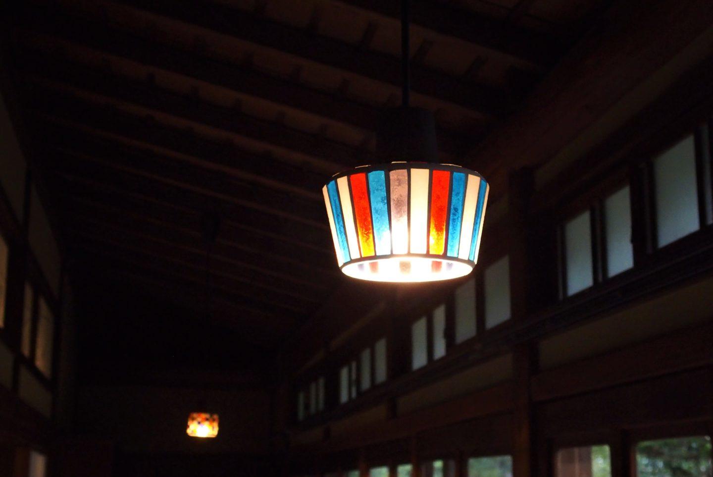 A hallway lamp at Ochiairou Murakami