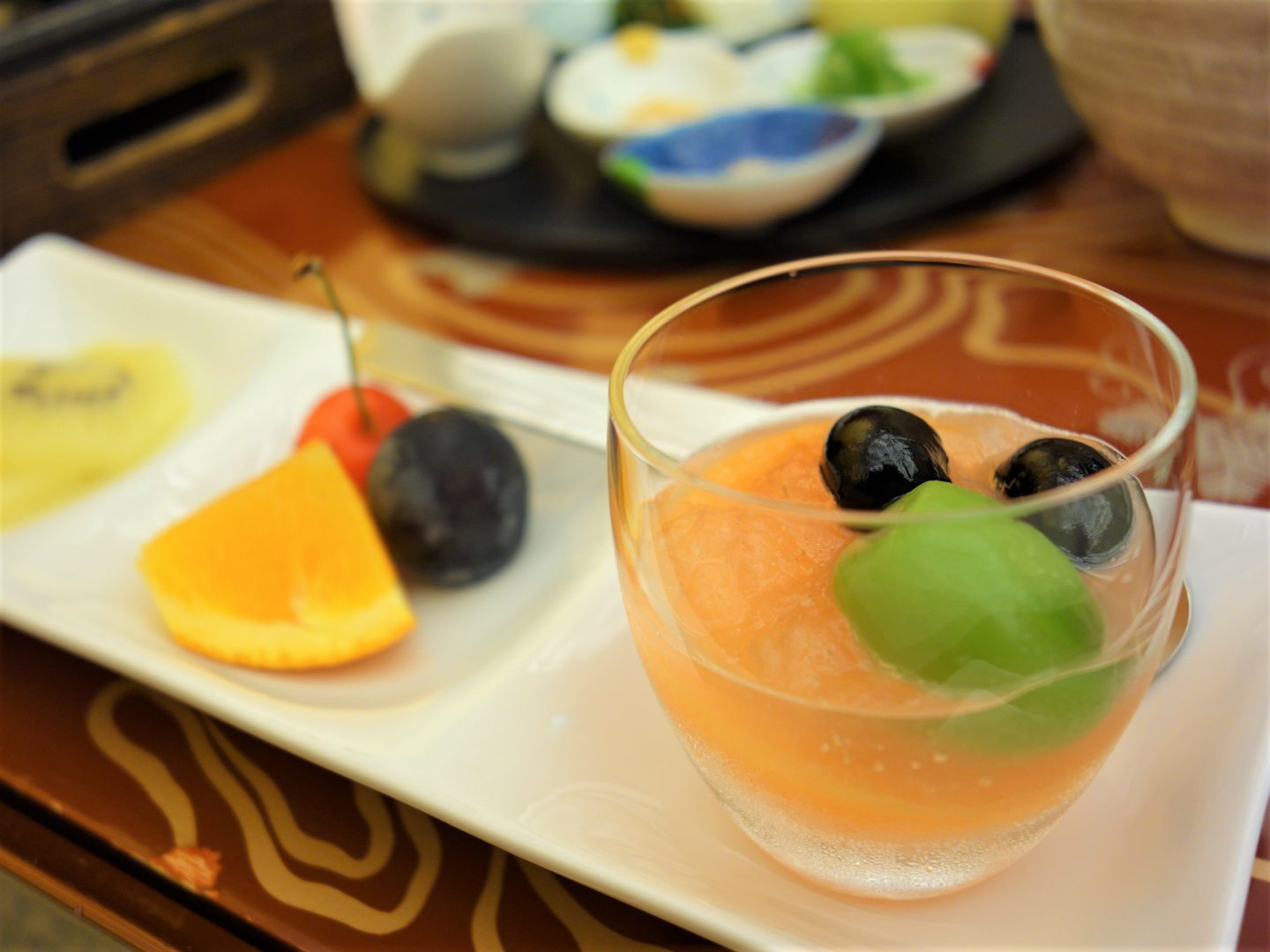Dessert plate with jelly and fruits