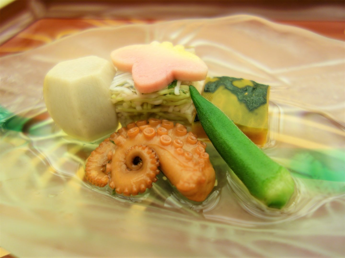 """""""Somen yose"""" (somen noodles jelly) with """"nimono"""" (simmered dish)"""