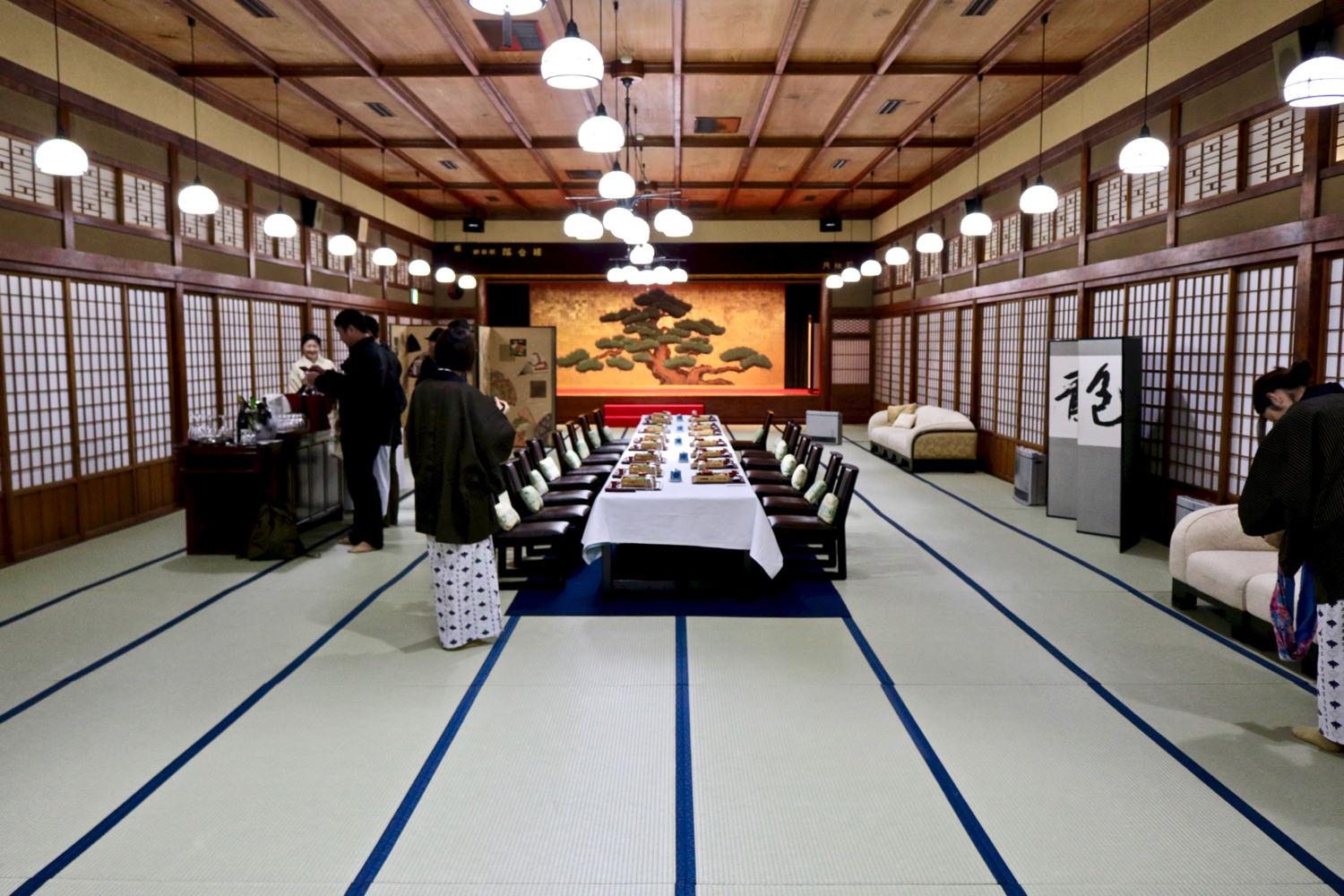 A banquet hall with 108 tatami mats!
