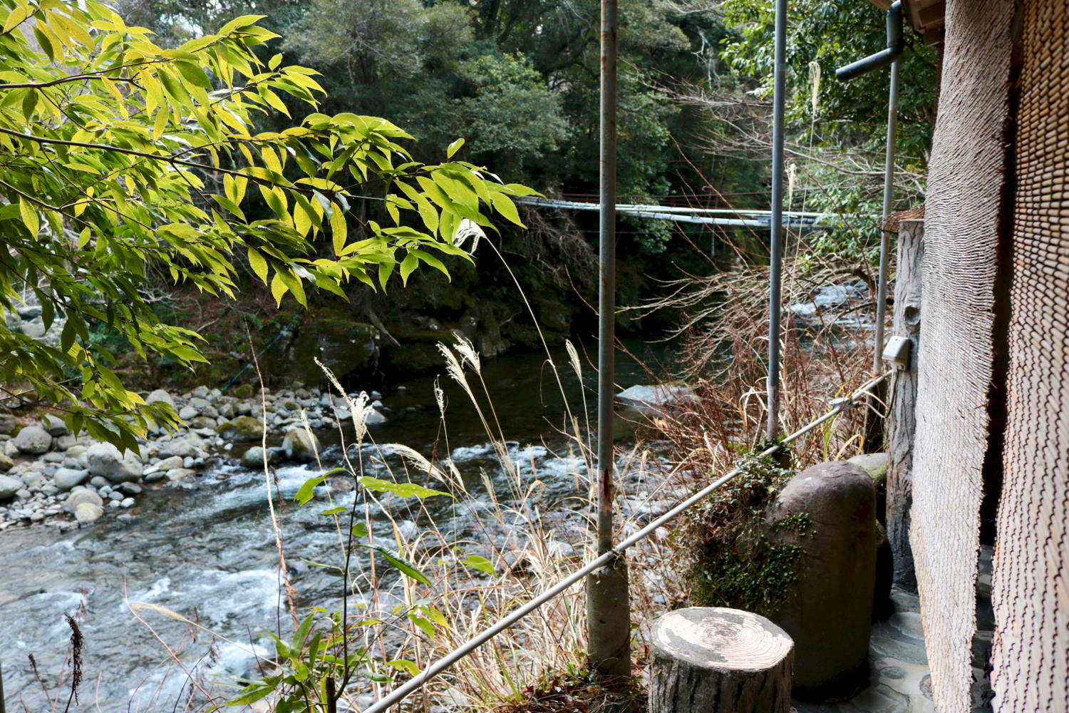 """Tengu-no-yu"" open-air onsen located by the river"