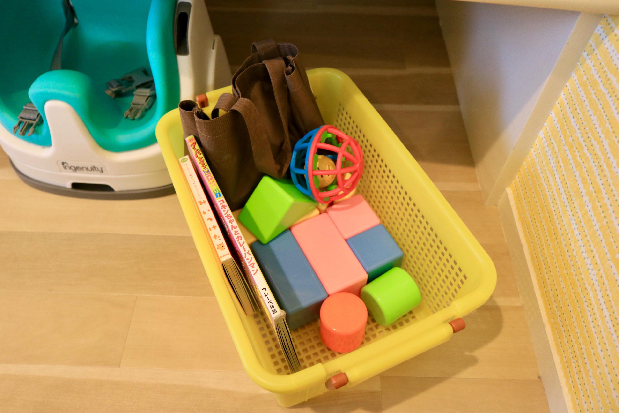 ベビーチェアやおもちゃ