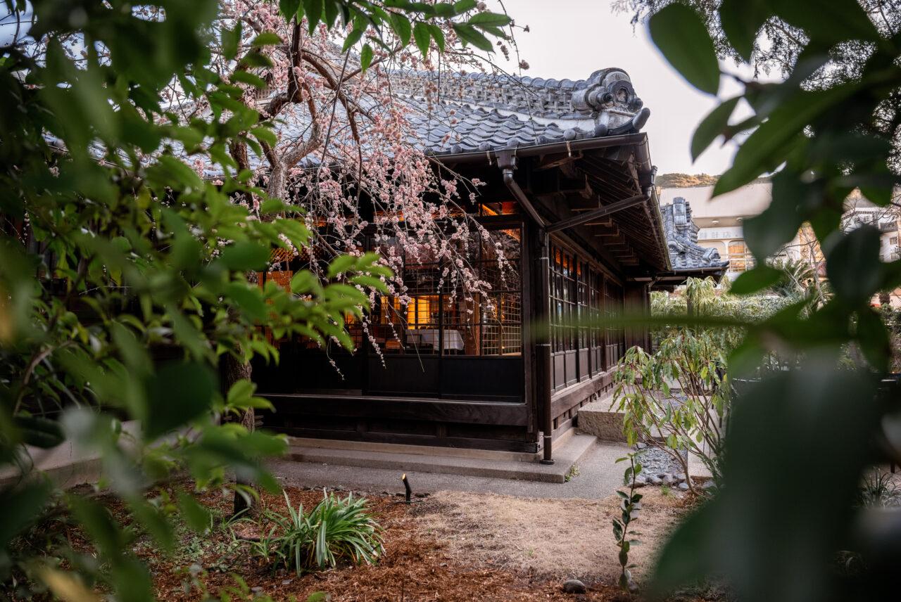 築300年のお屋敷がフルリノベーションされた複合施設「LOQUAT 西伊豆」が開業