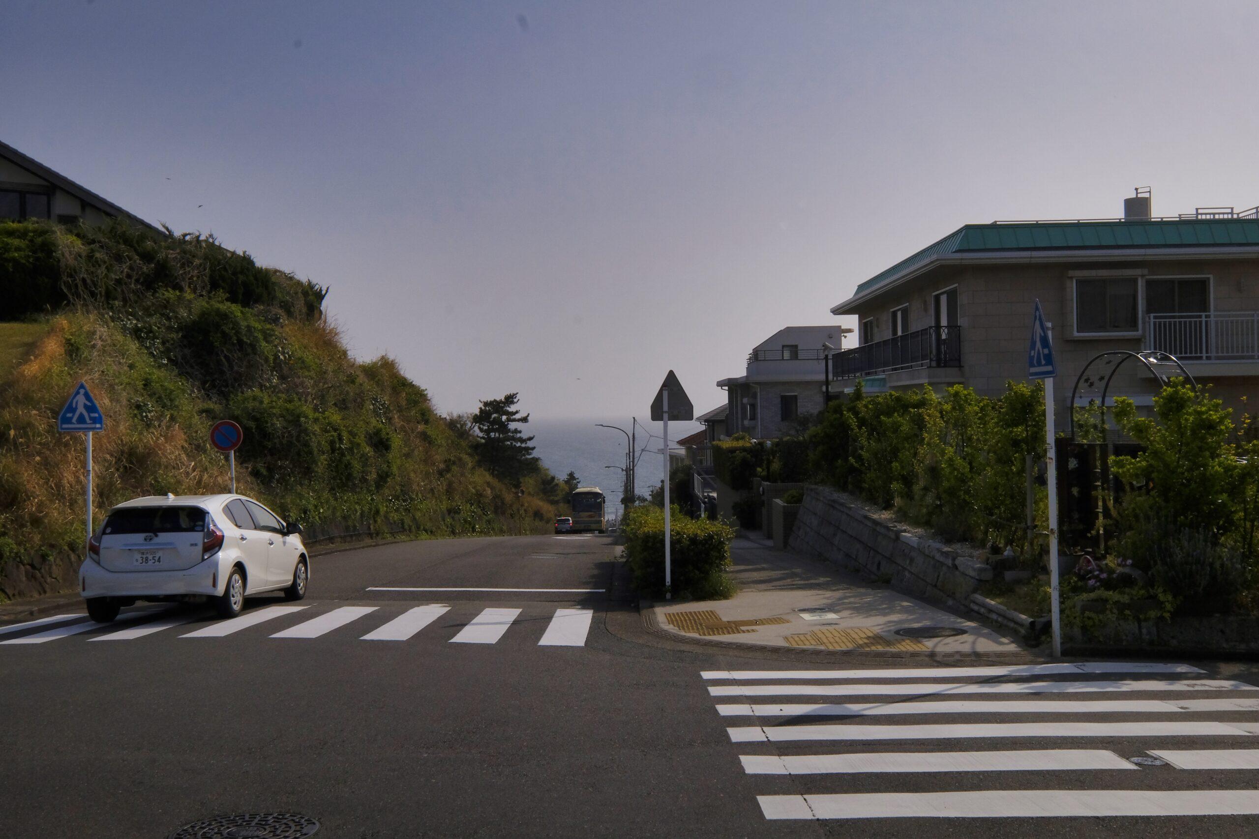 七里ヶ浜の海
