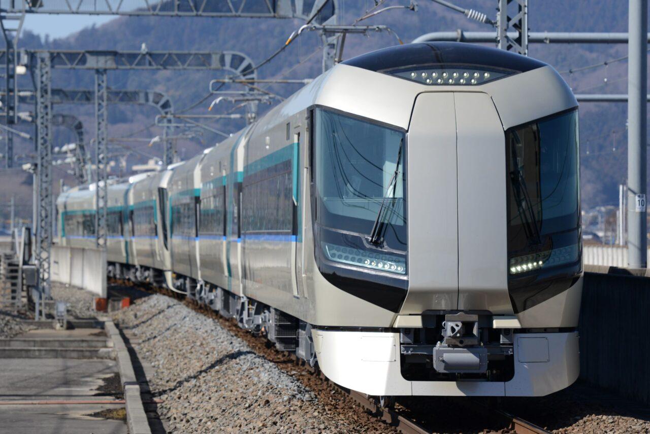 東武鉄道、臨時夜行列車「日光紅葉夜行」を運転開始